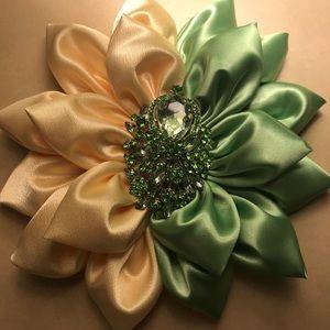 Accessories - Customer Flower pins!